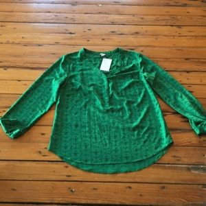 Adorable green with black print large blouse